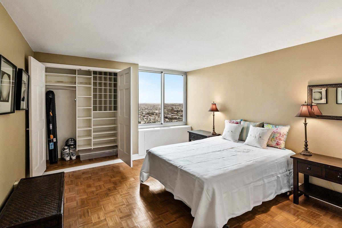 Love Your Block® | Philadelphia Real Estate | 604-36 Washington Square #3005